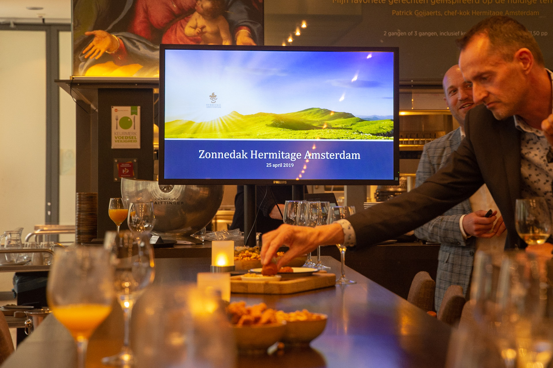 Aanvang presentatie Zonnedak Hermitage Amsterdam